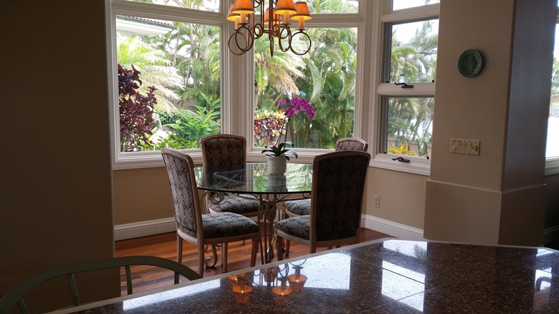 napili-tennis-villa_breakfast-nook-small