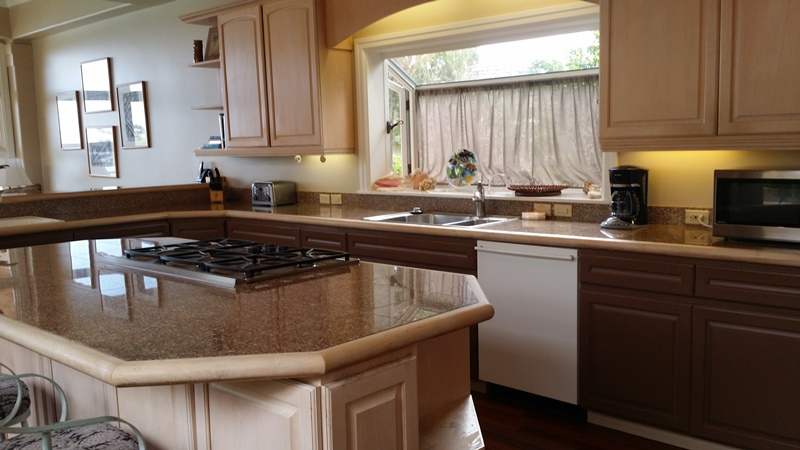 napili-tennis-villa_kitchen-small