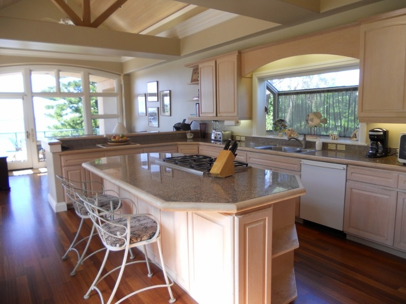 napili-tennis-villa_kitchen