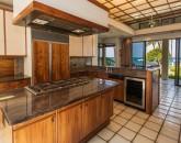 puakoplantation_kitchen-dining_800x600