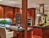 12-heavenlyview_kitchen-and-bkfst-bar