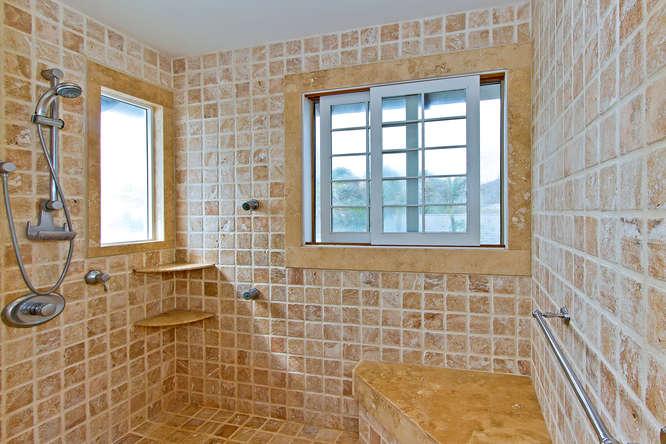 12-sandcastle_master-bath