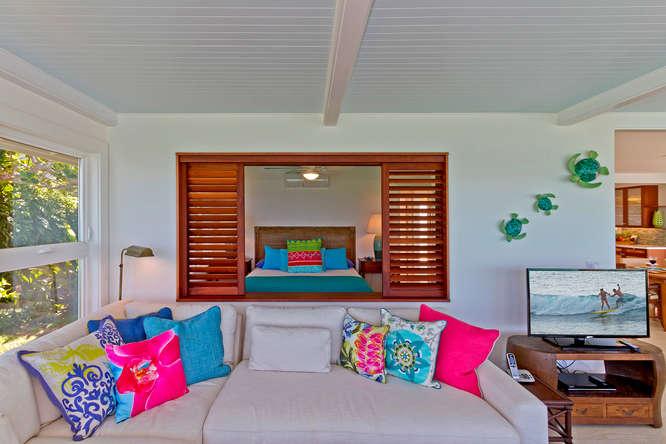 13-palm-villa_family-room-4