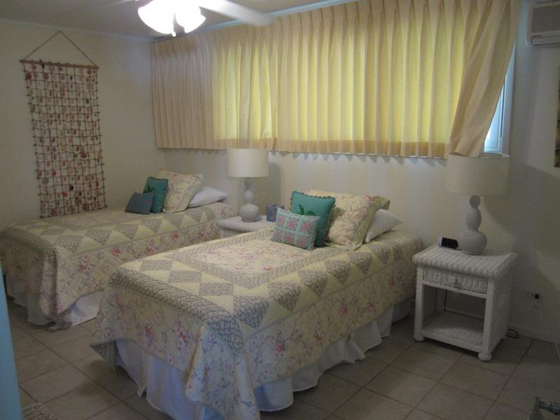 14-1-sandcastle_bedroom4-twins