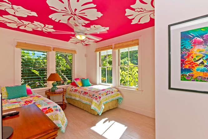 16-palm-villa_main-house-bedroom2