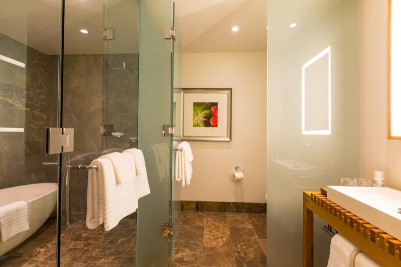 16-seaglass_bedroom-3-bath-800x534