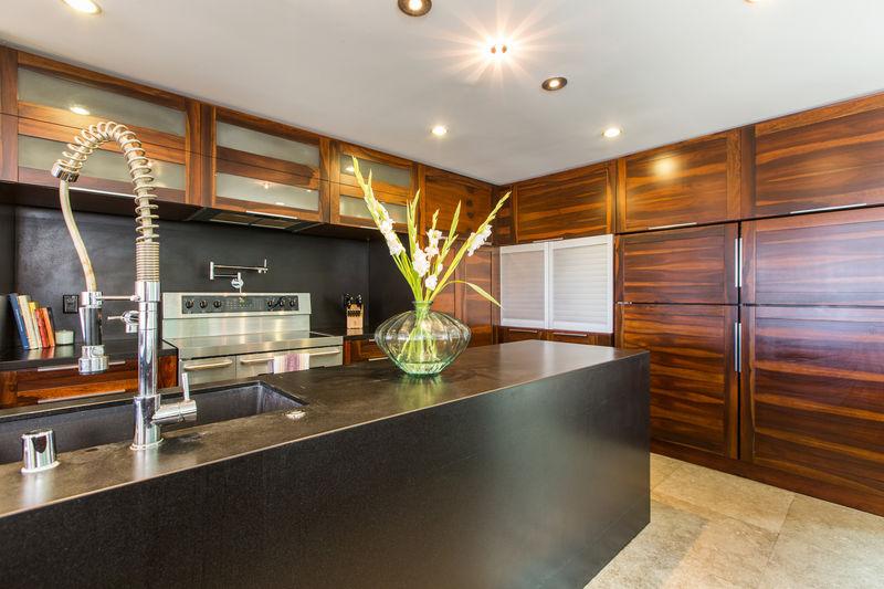 16-villa-luana_kitchen2