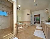 18-tropicalbreezevilla_master-bath