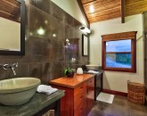 19-heavenlyview_master-suite-bath