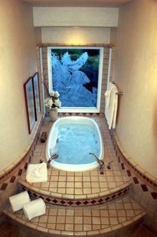 19-tropicalbreezevilla_master-bath2