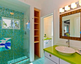 21-palm-villa_guest-house-bath