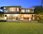 8-bay-villa_2014_exterior-night-800x534