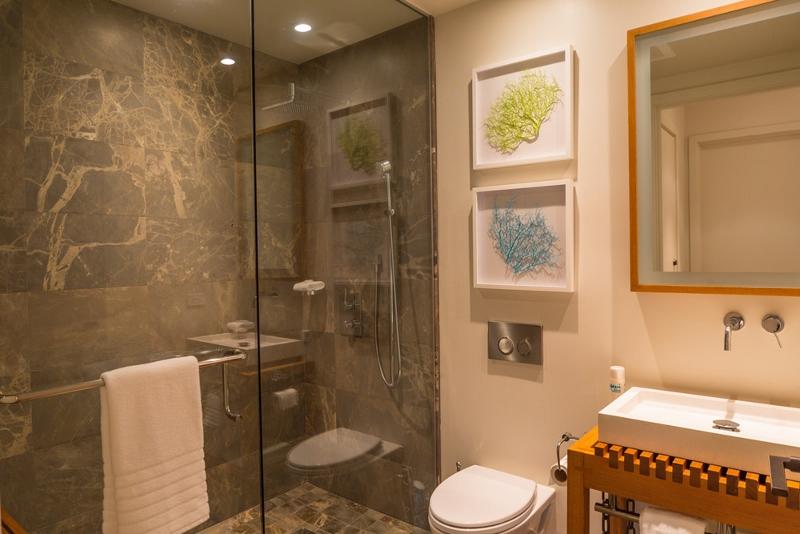 9-seaglass_powder-bath-800x534