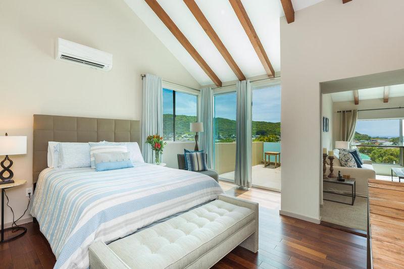 villa-luana_2nd-master-bedroom-stripes