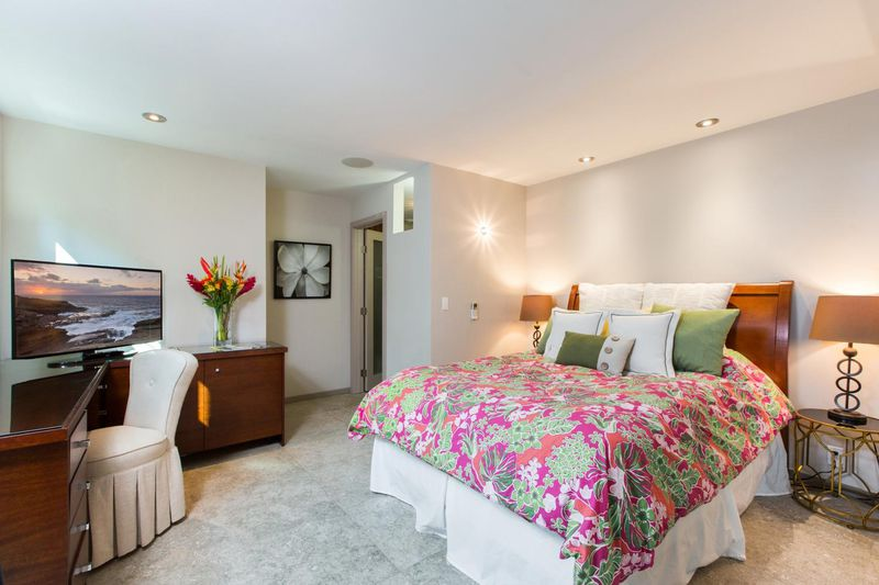 villa-luana_bedroom-flower