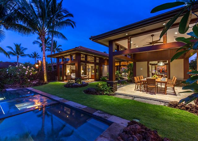 1 Hualalai Contemporary_pool tiki