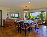 10-hawaiian-charm_eat-in-kitchen-area