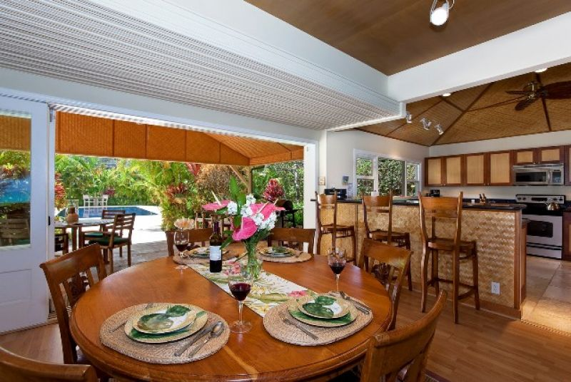 11-lanikai-ohana_kitchen-and-dining-800x536