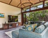 12-hualalai-contemporary_tv-area