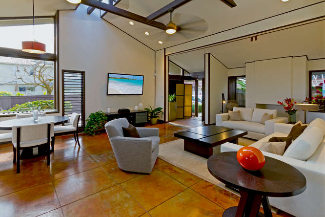 15-hawaiian-charm_living-room-different-view