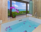 25-hawaiian-charm_bathroom-2-tub