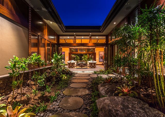 6-hualalai-contemporary_entrance