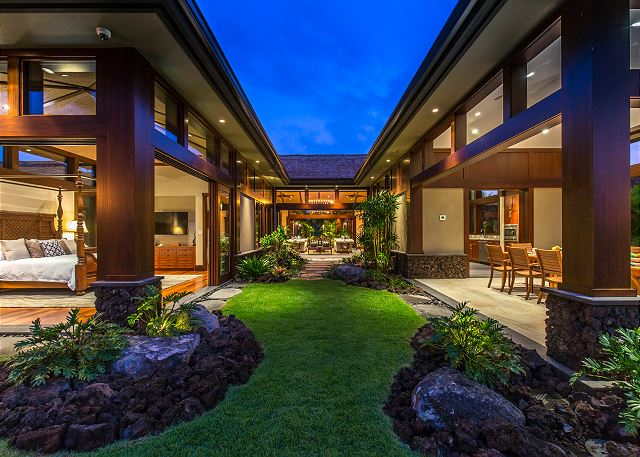 7-hualalai-contemporary_garden-courtyard