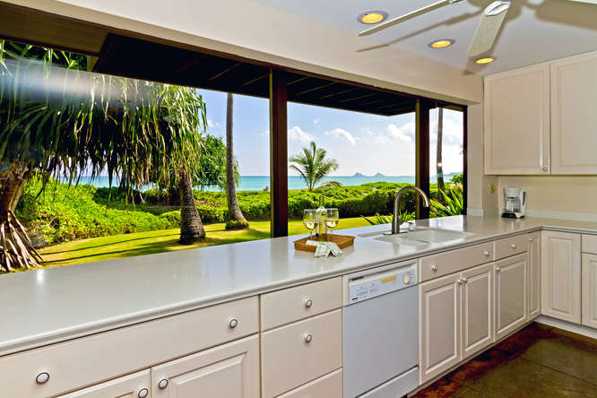9-hawaiian-charm_kitchen-long-counter