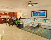 13-sea-breeze_great-room-kitchen-800x534