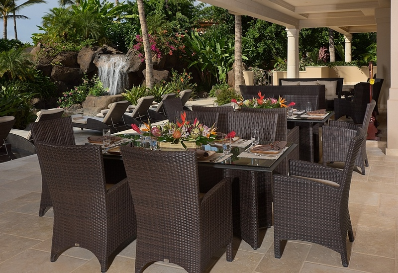 14-shambala-estate_covered-lanai-dining-3-800x549