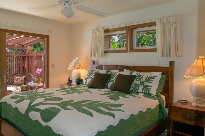 15-ocean-pool-hale_master-bedroom_600x800