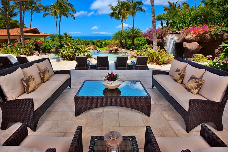 2-shambala-estate_covered-main-lanai-and-pool-view-dining-2-800x533