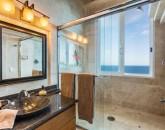 36-waterfalling_guest-suite-5-bath