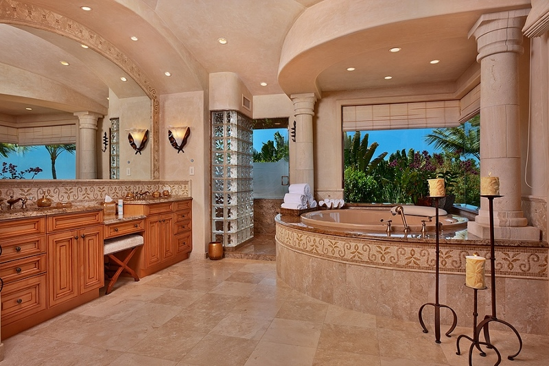 44-shambala-estate_master-bath-deep-tub-bidet-private-lanai-800x533