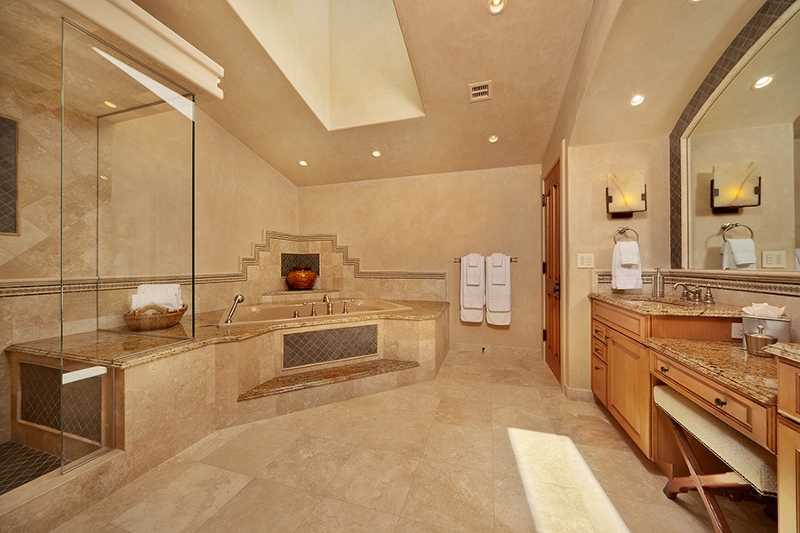 51-shambala-estate_guest-suite-2-private-bath-deep-whirlpool-tub-sep-glass-shower-2-800x533