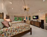 57-shambala-estate_guest-suite-5-2-twins-or-1-king-mtn-view-hd-lcd-tv-ipod-dock-safe-800x533