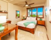 29-sandcastlessuite_bedroom4-den-queen1-800x534