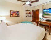 30-sandcastlessuite_bedroom4-den-queen2-800x534