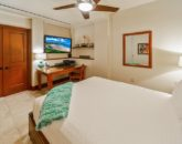 31-sandcastlessuite_bedroom4-den-queen3-800x534