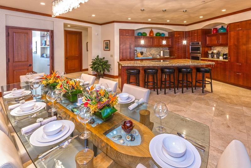 9-sandcastlessuite_indoor-dining-kitchen-800x534