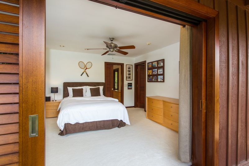 26-paradise-villa_bedroom-2-queen-jack-jill-with-br3