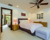 27-paradise-villa_bedroom-3-queen-jack-jill-with-br2