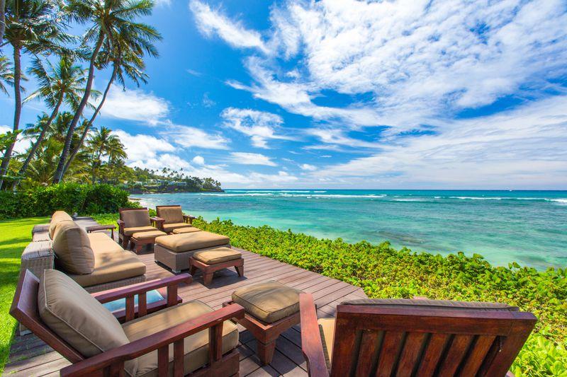 3-paradise-villa_beachfront-lanai2