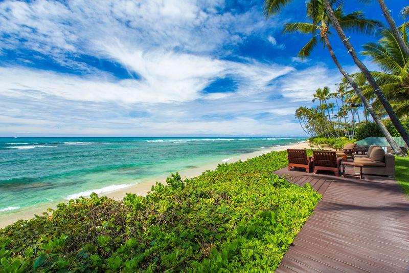 7-paradise-villa_beachfront-lanai3
