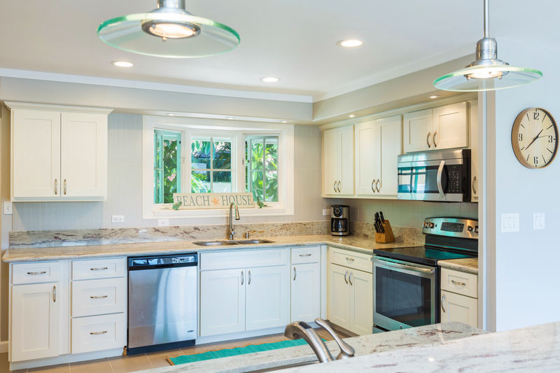 10-kahala-sea-mist_kitchen