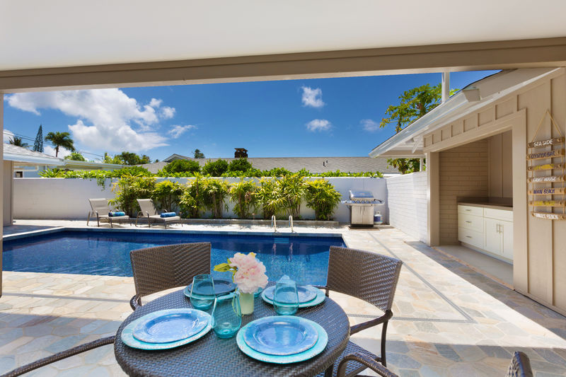 3-kahala-sea-mist_breakfast-and-pool