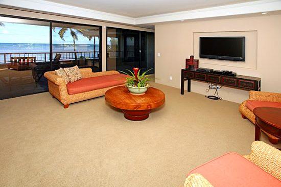 10-aina-koa_livingroom_upper_lg