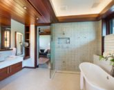 15-essence-of-kailua_master-bath2