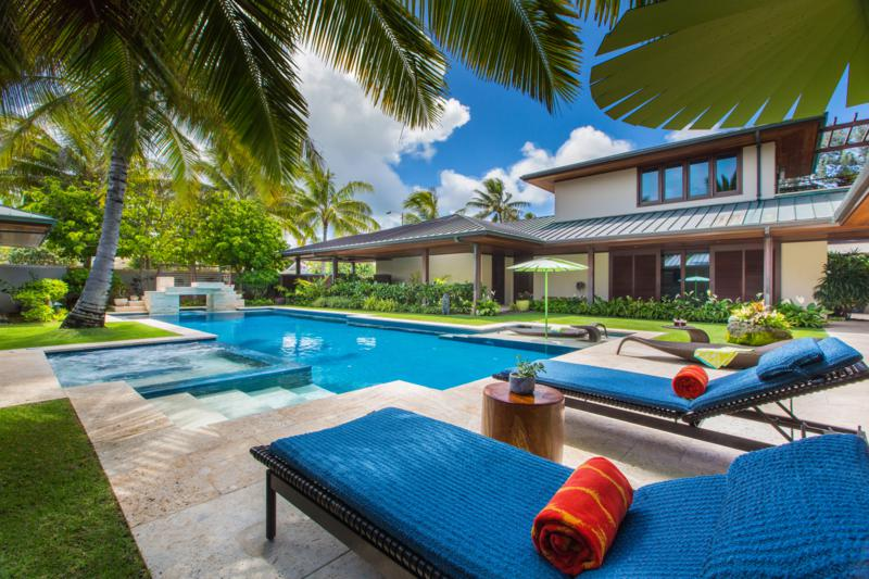 2-essence-of-kailua_pool-area