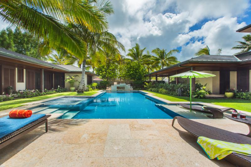 6-1-essence-of-kailua_pool-area2